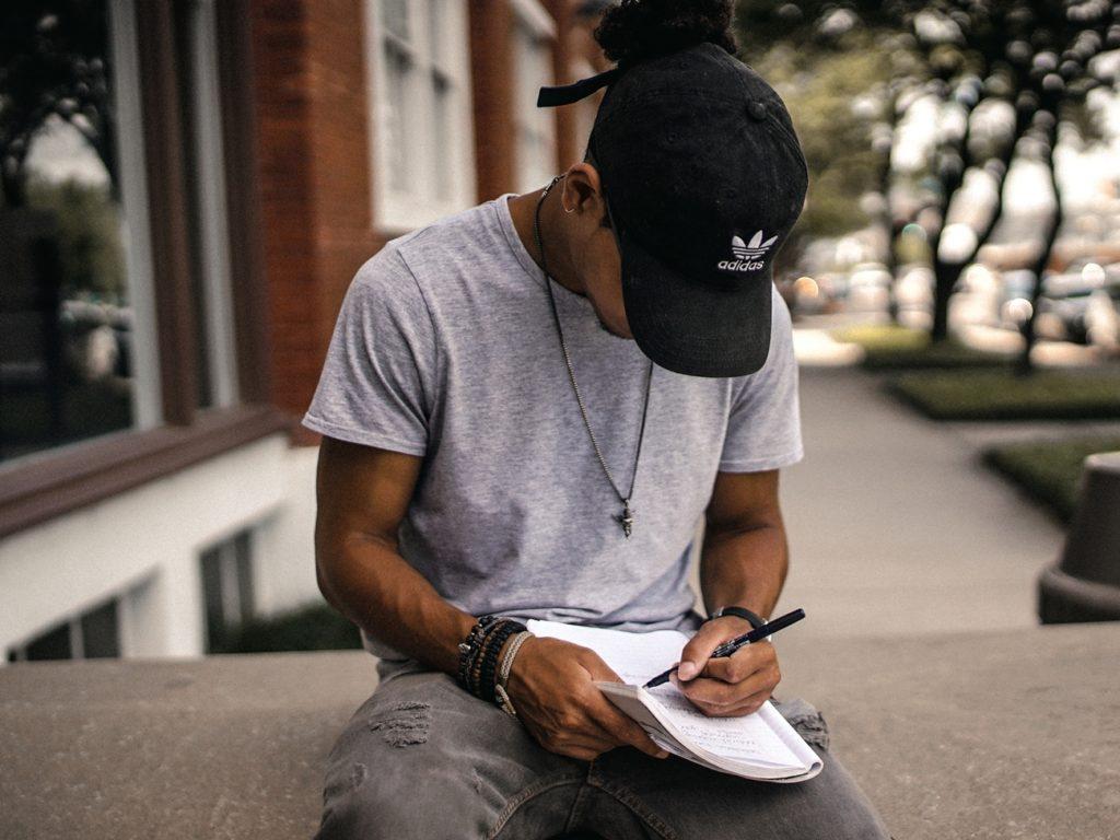 悩まず記事を書く方法