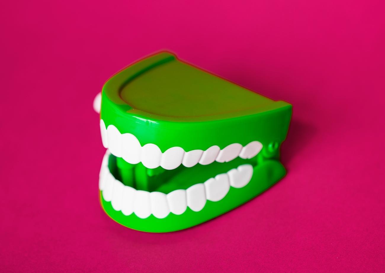 知っておくべき歯の詰め物の種類とメリット/デメリット