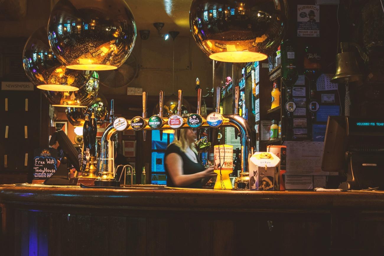一人飲み必見!知っておくべき立ち飲み屋の良いところ8選